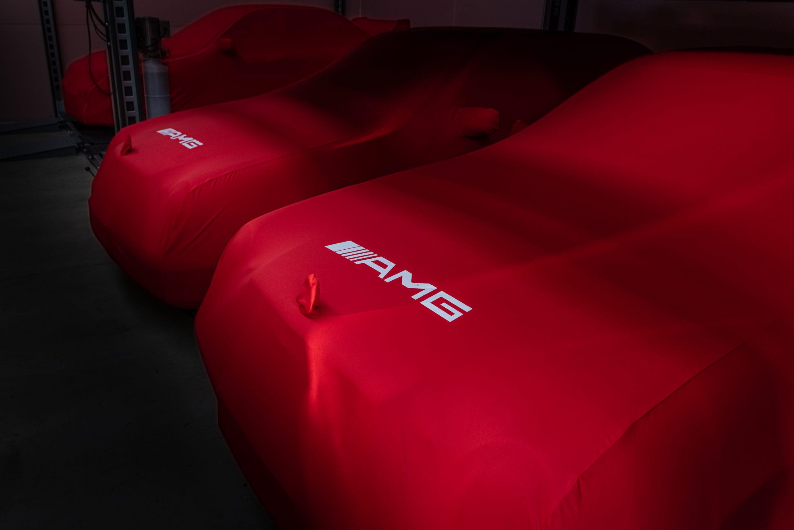 Meilt saad tellida spetsiifiliselt oma auto mudelile toodetud, sise- või välitingimusteks mõeldud autokatte!